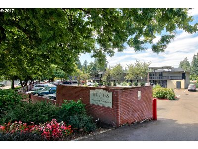 Lake Oswego Condo/Townhouse For Sale: 668 McVey Ave #84