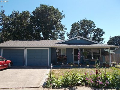 Cottage Grove, Creswell Single Family Home For Sale: 1305 Pennoyer Ave