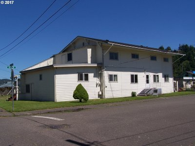 Douglas County Multi Family Home For Sale: 361 N 9th St