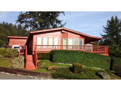 Brookings Single Family Home For Sale: 19921 Whaleshead Rd #T1