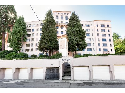 Multnomah County Condo/Townhouse For Sale: 2336 SW Osage St #708