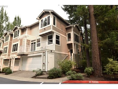 Tigard Condo/Townhouse For Sale: 14196 SW Barrows Rd #4
