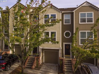 Portland Condo/Townhouse For Sale: 10237 NW Wilshire Ln
