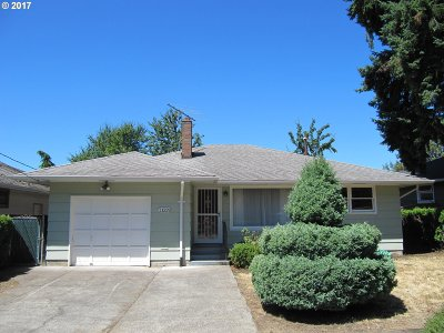 Milwaukie Single Family Home For Sale: 11229 SE 34th Ave