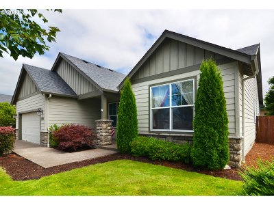 Creswell Single Family Home For Sale: 1374 Leaf Ln