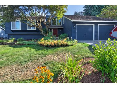 West Linn Single Family Home For Sale: 6535 Palomino Way