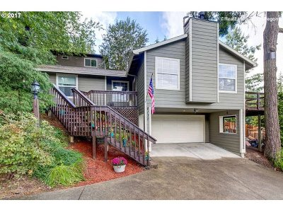 Portland Single Family Home For Sale: 4130 SW Huber St