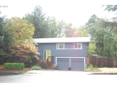 Clackamas Single Family Home For Sale: 13605 SE 119th Dr