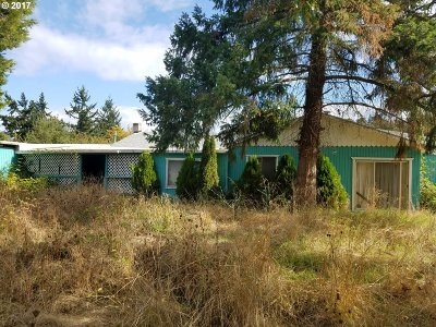 Myrtle Creek Single Family Home For Sale: 12731 Old Highway 99 South