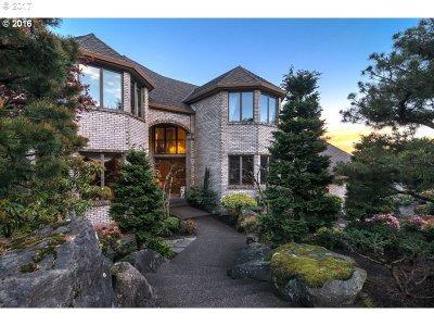 West Linn Single Family Home For Sale: 2000 Riverknoll Ct