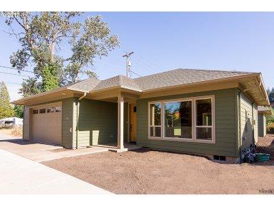 Eugene Single Family Home For Sale: 2731 Adams St