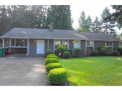 Lake Oswego Single Family Home For Sale: 5720 Kenny St
