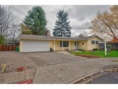 Newberg, Dundee Single Family Home For Sale: 2505 Redwood Ct