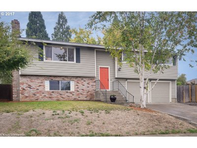 Beaverton Single Family Home For Sale: 17745 NW Autumn Ridge Dr