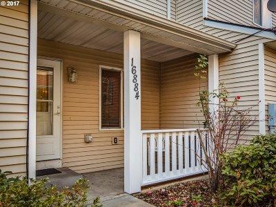 Portland Condo/Townhouse For Sale: 16884 SE Stark St
