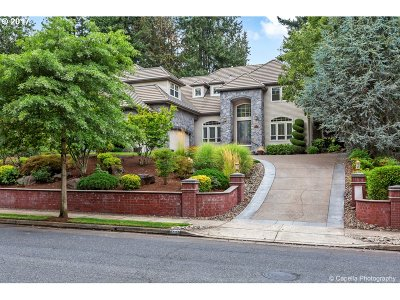 West Linn Single Family Home For Sale: 3447 Barrington Dr