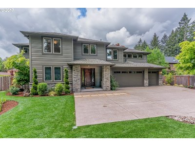 Lake Oswego Single Family Home For Sale: 18125 Pilkington Rd