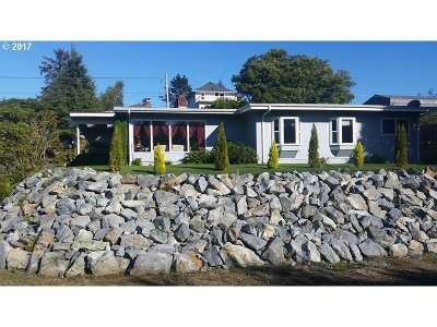 Coos Bay Single Family Home For Sale: 120 A St