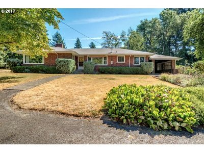 Portland Single Family Home For Sale: 10030 SW 85th Ave