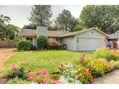 Forest Grove OR Single Family Home For Sale: $335,000