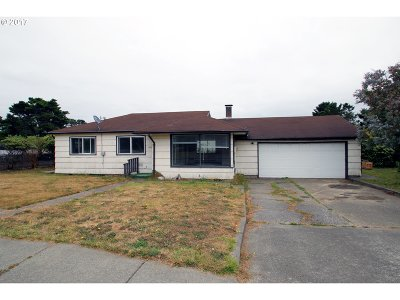 Bandon Single Family Home For Sale: 1015 Franklin Ave