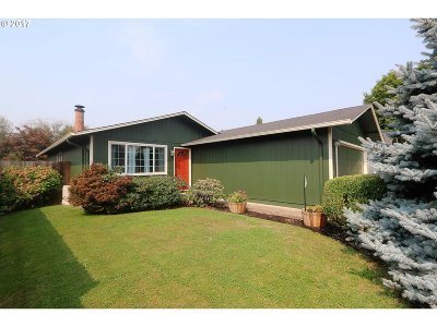 Springfield Single Family Home For Sale: 552 53rd Pl