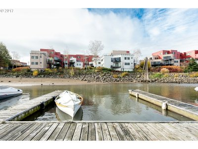 Portland Condo/Townhouse For Sale: 710 NW Naito Pkwy #C10