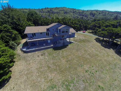 Gold Beach Single Family Home For Sale: 33707 Ophir Rd
