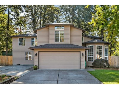 Single Family Home Sold: 16495 SE Oakhurst Ct