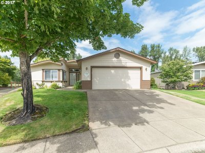 Cottage Grove, Creswell Single Family Home For Sale: 148 Village Dr