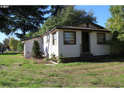 Portland Single Family Home For Sale: 8325 SE 64th Ave