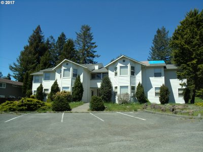 Brookings Multi Family Home For Sale: 708 Old County Rd