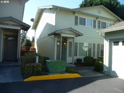 Washougal Condo/Townhouse For Sale: 677 32nd St #1