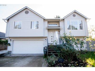 Multnomah County, Washington County, Clackamas County Single Family Home For Sale: 13506 SE Main St