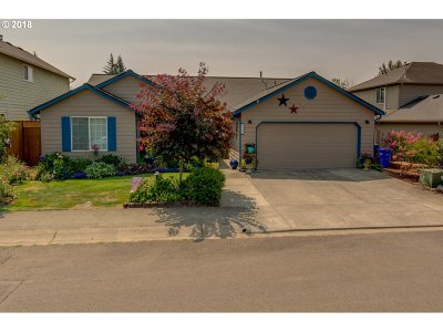 Molalla Single Family Home For Sale: 206 Hauser Ct