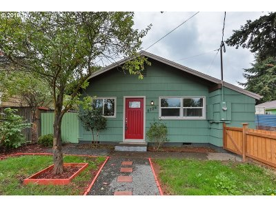 Portland Single Family Home For Sale: 6726 SE 80th Ave