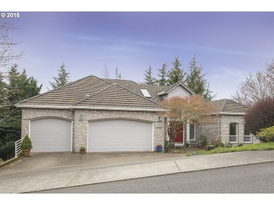 Portland Single Family Home For Sale: 8534 NW Timber Ridge Ct