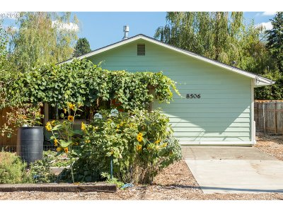 Portland Single Family Home For Sale: 8506 SE 88th Ave