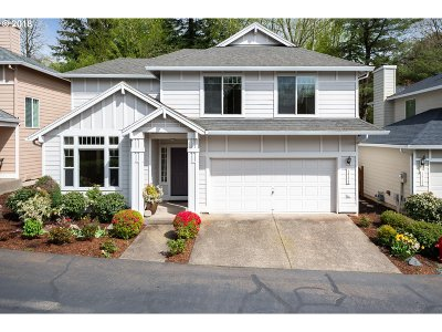 Lake Oswego Single Family Home For Sale: 14328 Holly Springs Rd