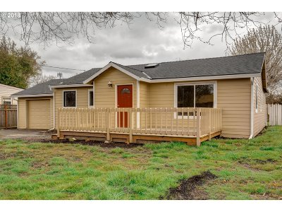 Beaverton Single Family Home For Sale: 4020 SW 144th Ave