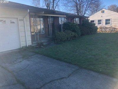 Portland Single Family Home For Sale: 9918 SE Grant Ct