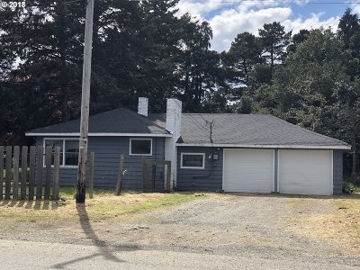 Port Orford Single Family Home For Sale: 612 Thirteenth St