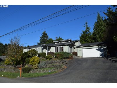 Gold Beach Single Family Home For Sale: 94425 Quarry Rd