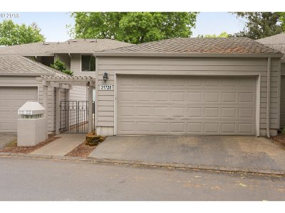 Wilsonville Condo/Townhouse For Sale: 31728 SW Fairway Village Loop