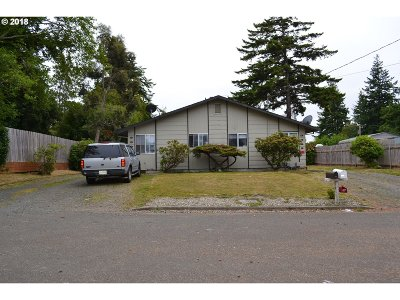 Coos Bay Multi Family Home For Sale: 3335 Waite
