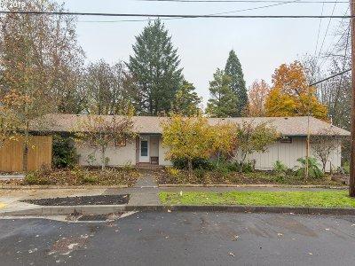 Newberg Single Family Home For Sale: 1215 E 4th St