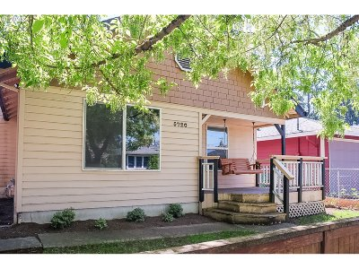 Multnomah County, Washington County, Clackamas County Single Family Home For Sale: 5720 SE Pardee St
