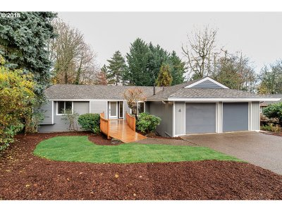 Lake Oswego OR Single Family Home For Sale: $739,000