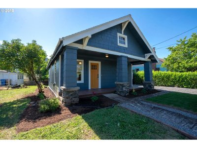 Milwaukie Single Family Home For Sale: 12649 SE 23rd Ave