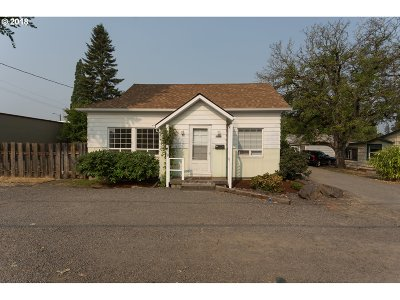 Beaverton Single Family Home For Sale: 5925 SW Hall Blvd